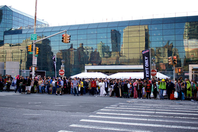 Large crowds exiting the Javits Center